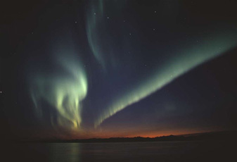 北極圏の北斗7星とアラスカオーロラ.jpg